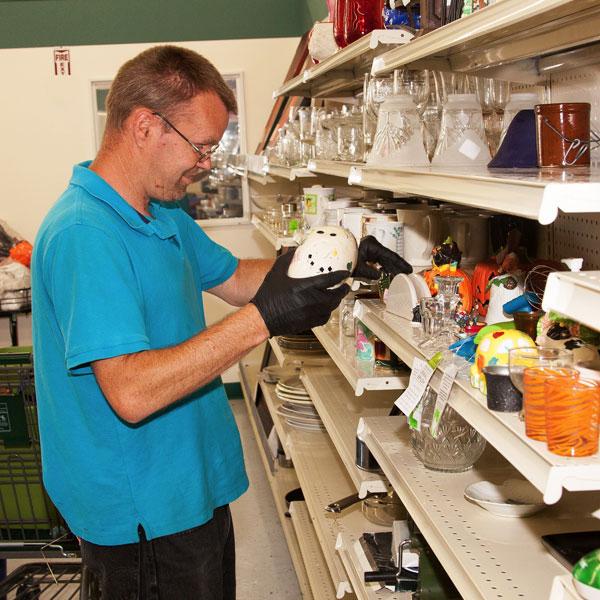 Shop & Save trainee working